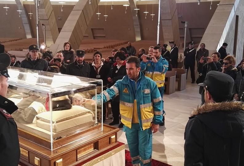 Reliquie di San Pio a Roma: impegno dei volontari delle Misericordie