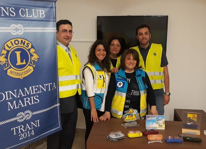 "I Lions Club donano occhiali da vista per bambini bisognosi all'ambulatorio ""Noi con Voi"""