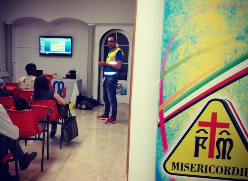 In 150 per il corso gratuito di Primo Soccorso in lingua italiana ed in lingue straniere