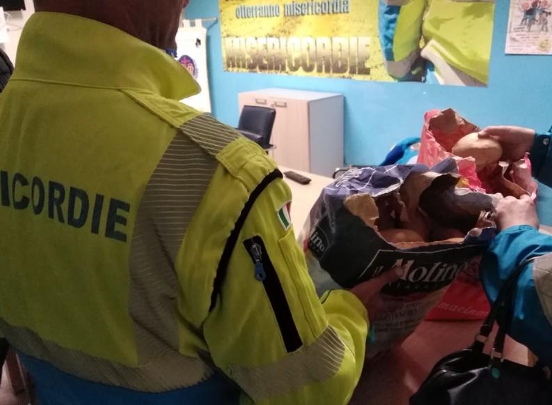 """Coronavirus, """"Pane solidale"""" per bisognosi e volontari della Misericordia di Andria impegnati nell'emergenza"""