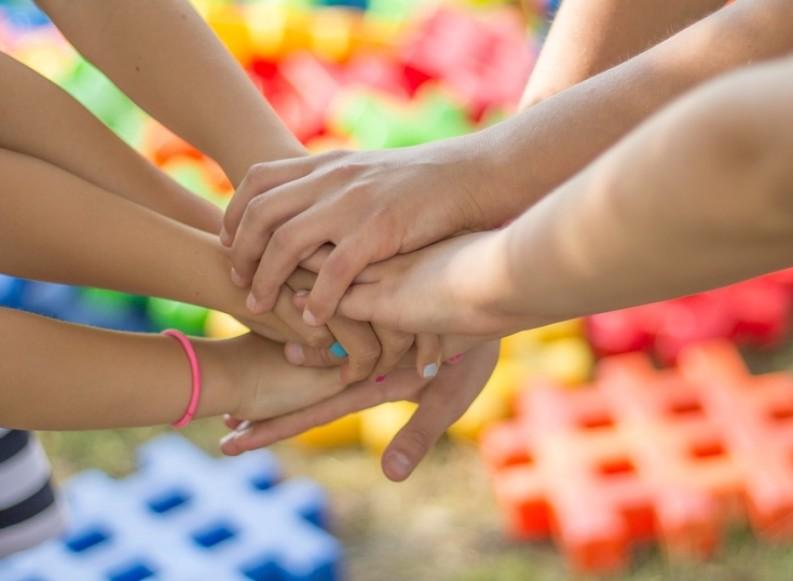 """""""Andria uniamoci ed aiutiamoci"""": parte la raccolta e la distribuzione porta a porta di generi di prima necessità"""