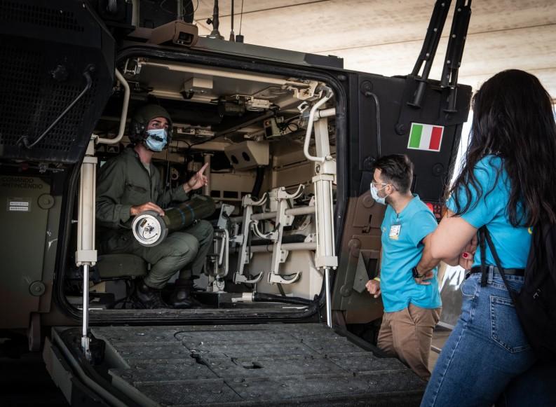 """""""A lezione con l'Esercito Italiano"""": visita formativa per le G.emme all'82° Reggimento """"Torino"""""""